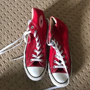 🧲RED CHUCK TAYLORS